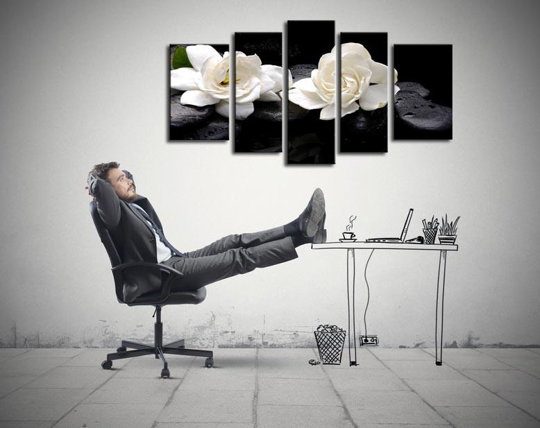tableau zen dans un bureau hexoa. Black Bedroom Furniture Sets. Home Design Ideas