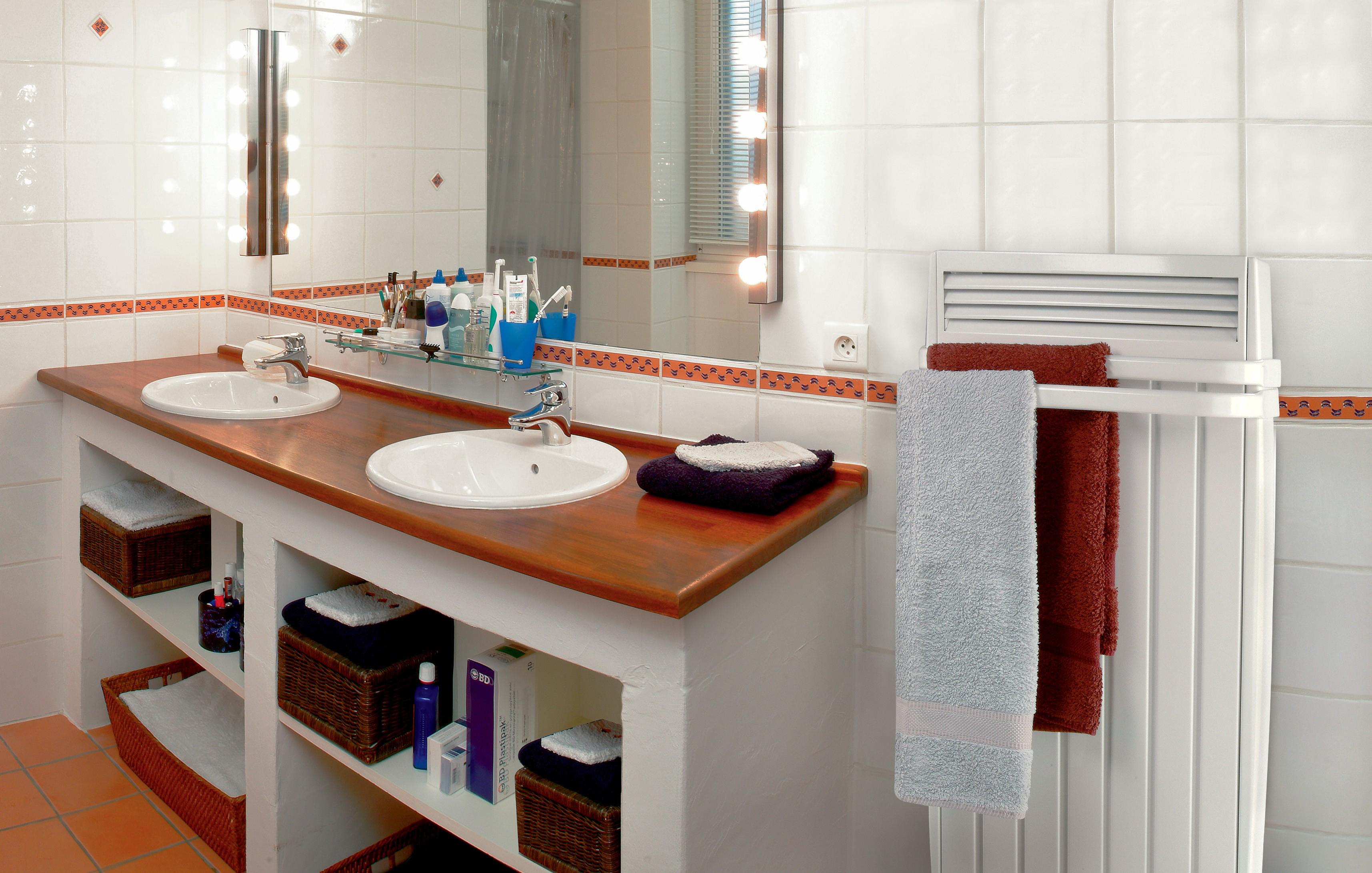 Les 6 r gles pour am nager une petite salle de bains hexoa - Amenager une petite salle de bain ...