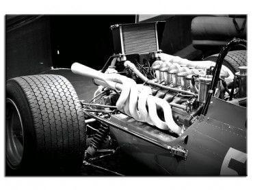 Tableau noir et blanc macro sur un moteur
