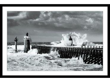 Cadre noir et blanc océan et Estacade Capbreton