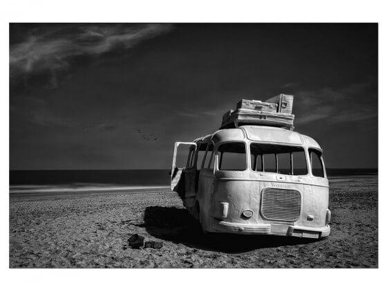 Tableau Deco Beached Bus