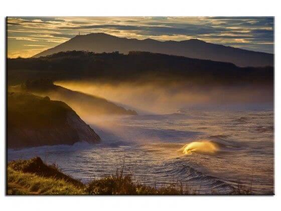 Tableau cadre levé de soleil sur la corniche au Pays Basque